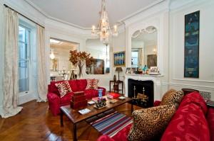 38E70 TH 4 living room